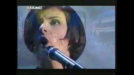 Matia Bazar - Brivido caldo (sanremo 2000) live