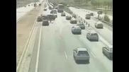 Фатален инцидент с коли заснет от случаен миновач