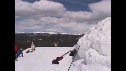 Така се пада от сноуборд Смях !