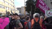 Germany: Clashes strike as riot police swarm Berlin for anti-capitalist march