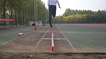 Chinese man goes viral with insane 'jumping cups' skills