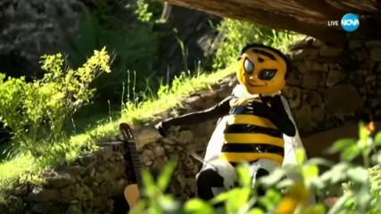 Пчелата изпълнява Hello на Adele | Маскираният певец