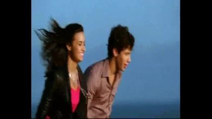 Jonas, Miley, Demi and Selena - Send it On 2009
