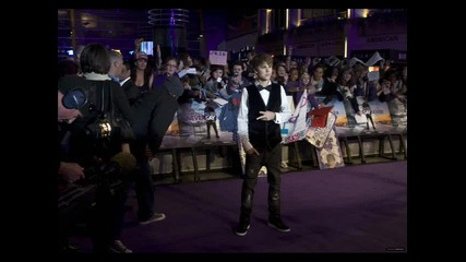 Justin Bieber .. най - сладкияя в целия свят ~~ ;*;* [ Hug ]
