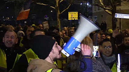 France: Hundreds march in support of injured 'Yellow Vest' protester