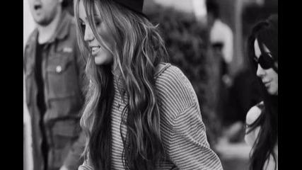 Miley Cyrus ; Te Amo