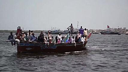 Pakistan: Fishermen protest working restrictions aboard vessels in Karachi port