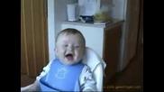 Две Бебета Се Смеят - И Вие Ще Се Смеете! Със Сигурност!!