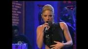 (sub) сингъл на Shakira - Did it again - Live on Snl (hq)