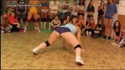 Готини и диви мацки в twerking битка (2)