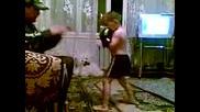 Млад боксьор