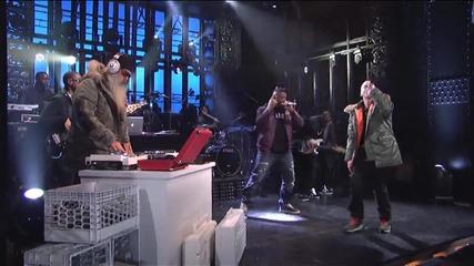 Eminem - Berzerk - Live on Snl