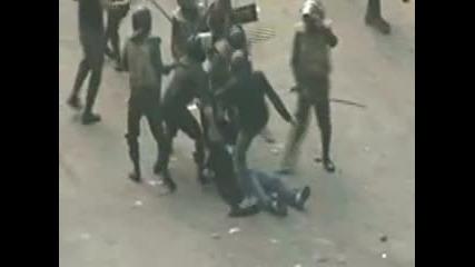 Полицейско [насилие над гражданите] на Египет.