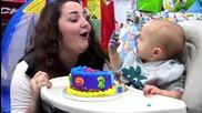 На това бебче му писна от глупостите на майка му!