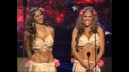 Америка търси талант Две изумително секси момичета със страхотни тела танцуват сексапилни Бели Денс2