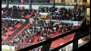 Радостта на агитката след гола на България