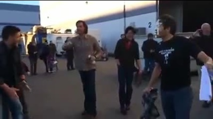 Jensen Ackles hits Misha Collins with Pie (supernatural)