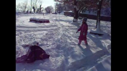 сняг и игри