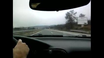 Пежо 406 купе с 210 по магистралата =)