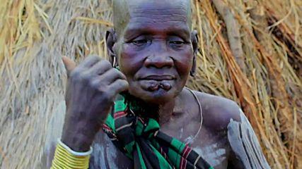 Тези хора режат устите и ушите си за да са красиви (