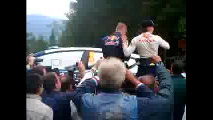 Kimi Raikkonen оглежда колата си