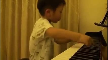изумителeн 5 годишен пианист