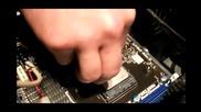 Нанасяне на термо паста върху процесор