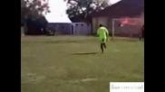 рефер се насра по време на мач - Смях