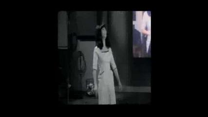 Cher - The Shoop Shoop Song - Превод
