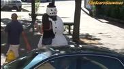 смях снежен човек през лятото