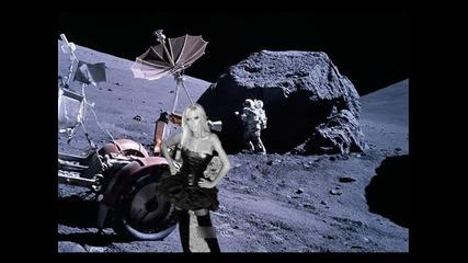 Андреа ще снима Kлип на Луната