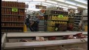 Пичове с мини моторчета правят мизерии в Супермаркет