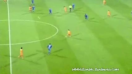 Роналдиньо срещу Левски София