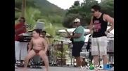 Дебело бразилче разбива на танци