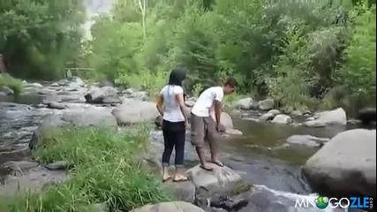 Ще скоча, ще скоча..опа изкъпах се (смях)
