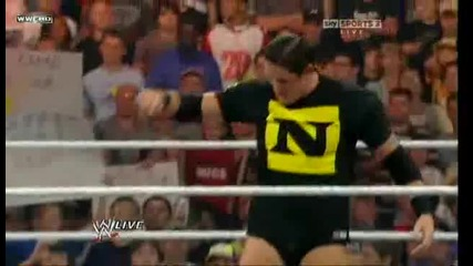 Raw 30.08.10 - Nexus attack The Undertaker (900th episode)