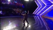 Дебело Индийче Танцува Лудо На Индия Търси Талант : D + [превод]