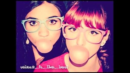 Цялата песен!! Bella Thorne and Pia Mia - Bubblegum boy