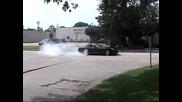 Dodge-Яко търкане на гуми