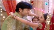 Ананди и Джаго танцуват на рождения ден на Виир