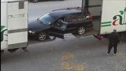 Много хитър начин да натовариш кола в камион