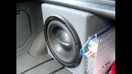Bass pioneer Basstronics - Bass I love you