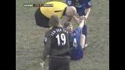 Не е за хора със слаби сърца - Алан Смит чупи крака си в мач с Ливърпул