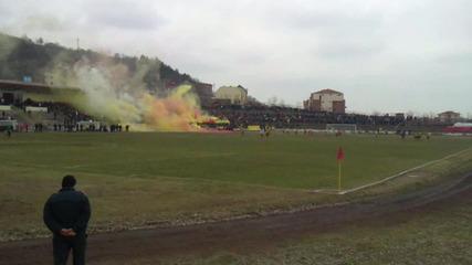 Асеновец 0 - 4 Ботев Пловдив 27.02.2011 (бомби и димки)