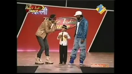 7 годишен младеж играе Michael Jackson - Dance India Dance Season 2