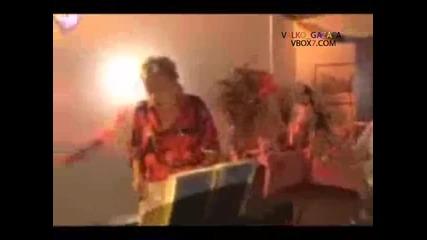 Гълтане на микрофон ( Смях ) 2010
