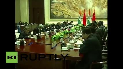 China: Modi and Xi Jinping meet in Xi'an, seeking to deepen economic ties