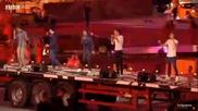 One Direction на церемонията по закриването на Олимпийските игри - What Makes You Beautiful
