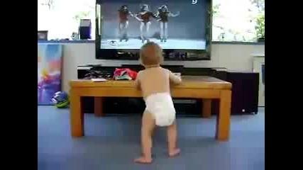 Това дете ще ви разбие от смях!!