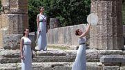 Запалиха Олимпийския огън в Гърция